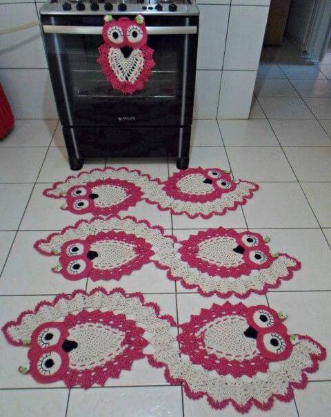 Jogo de cozinha de crochê com corujas cor de rosa Foto de Dani Novo Crochê