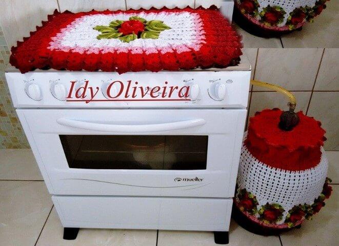 Jogo de cozinha de crochê com pano para fogão e capa para botijão Foto de Idy Oliveira