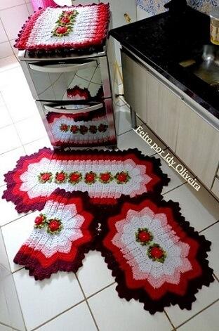 Jogo de cozinha de crochê com pano para o tampo do fogão Foto de Idy Oliveira