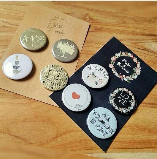 Kit de bottons como lembrancinhas de casamento Foto de Casamentos