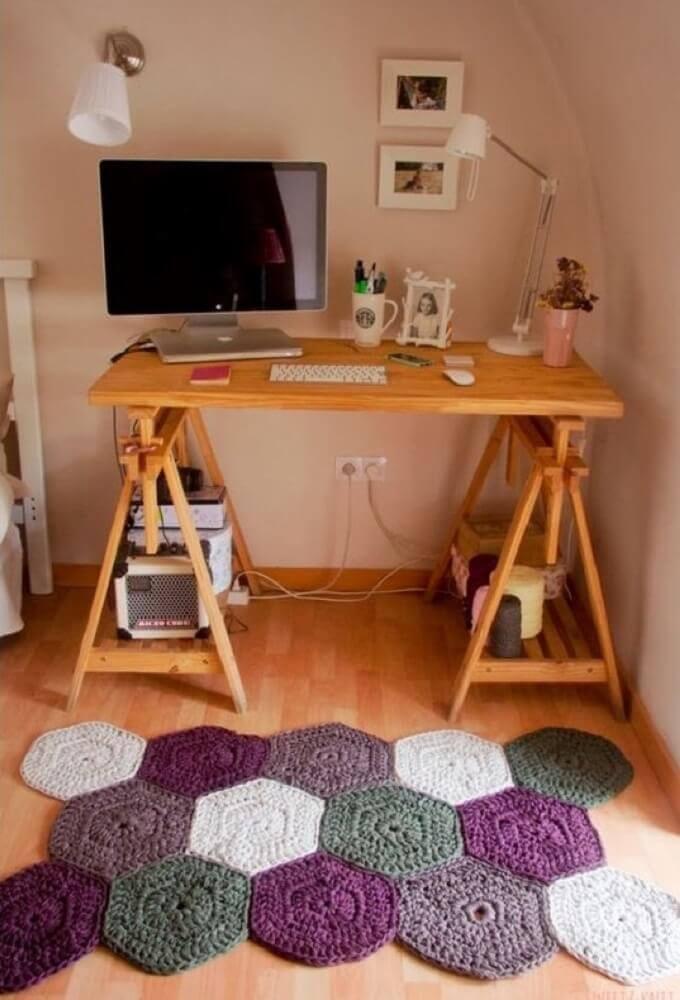 Modelo diferente de passadeira de crochê para home office Foto Pinterest