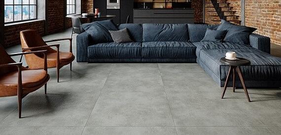 Piso vinílico imitando pedra em sala de estar com decoração moderna Foto de Duratex Madeira