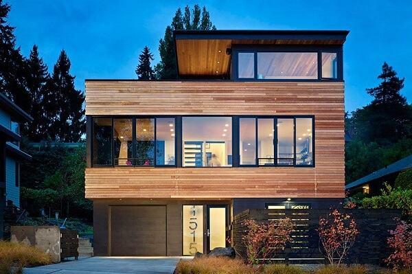 Platibanda com telhado embutido em casa