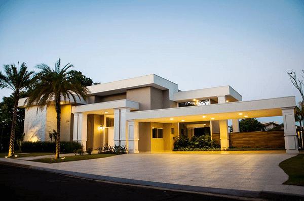 Platibanda em telhado de casa