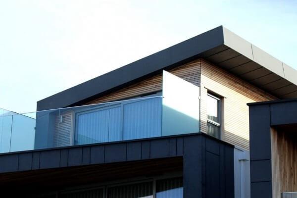 Platibanda na fachada de casa