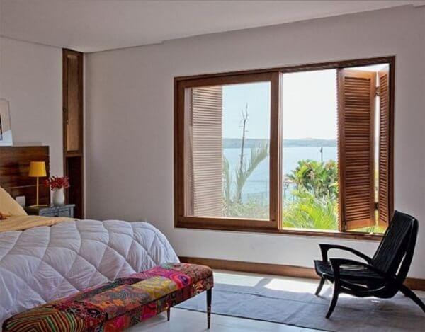 Rodapé em madeira para quarto de casal