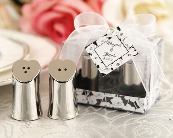 Saleiro e pimenteiro cromados como lembrancinhas de casamento Foto de AC Gifts