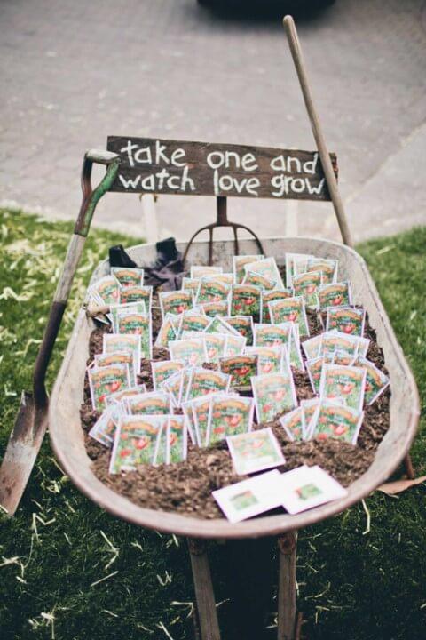 Sementes de plantas como lembrancinhas de casamento Foto de Country Living Magazine