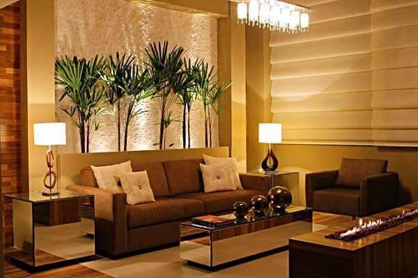 Tipos de plantas ornamentais compõe a decoração interna da residencia