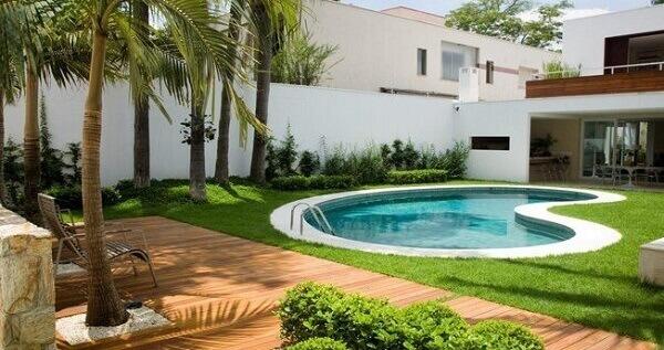 Tipos de plantas para jardim com piscina