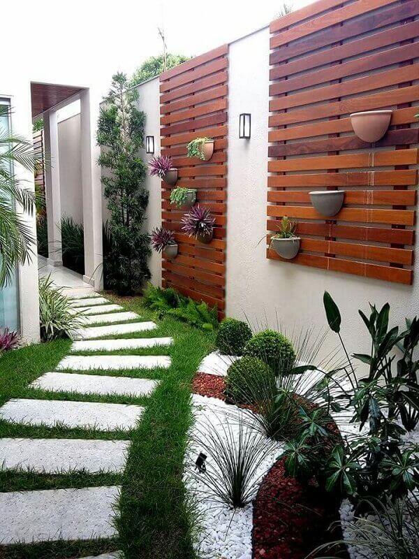 Tipos de plantas para jardim externo e pequeno