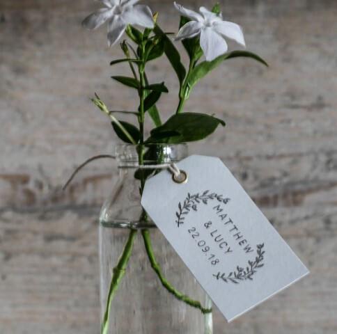 Vasos de flores como lembrancinhas de casamento Foto de Not On The Highstreet