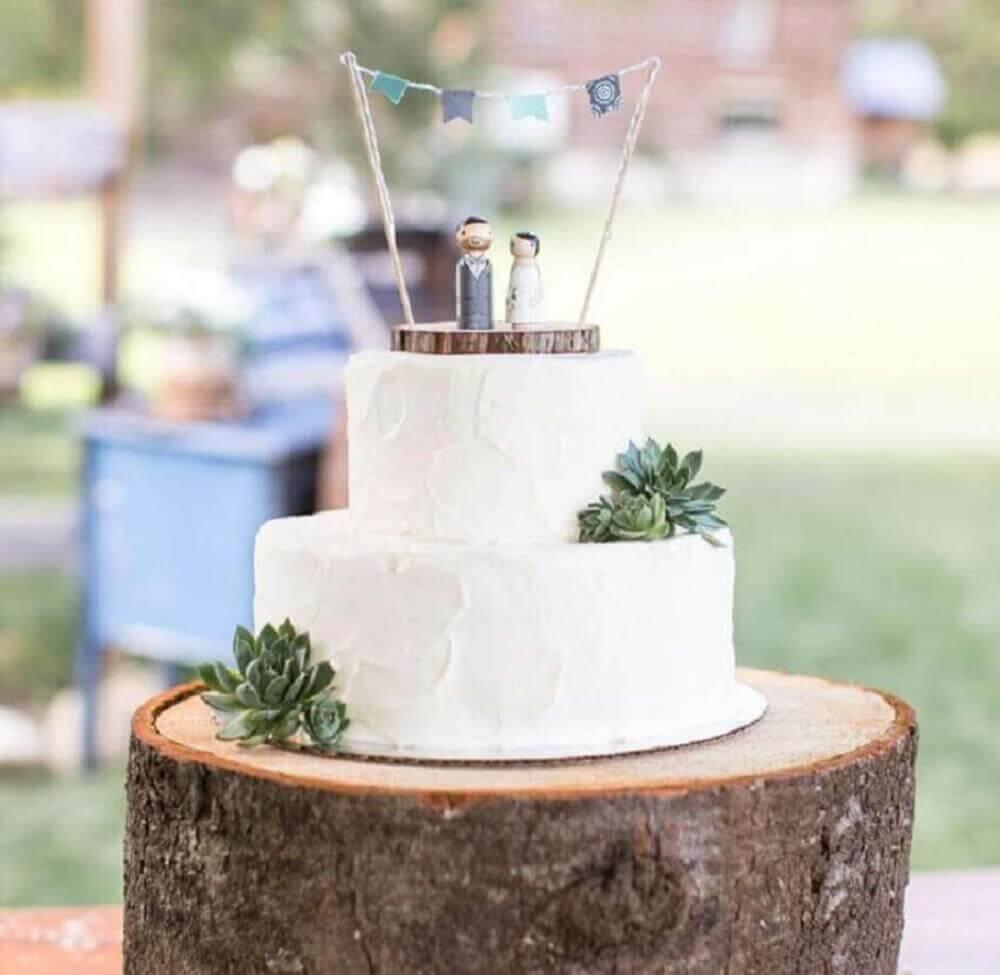 bolo simples de casamento decorado com suculentas Foto Weddzillabox