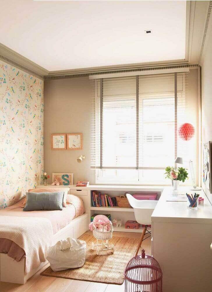decoração com papel de parede e cadeira eames para quarto de solteiro planejado Foto Pinterest
