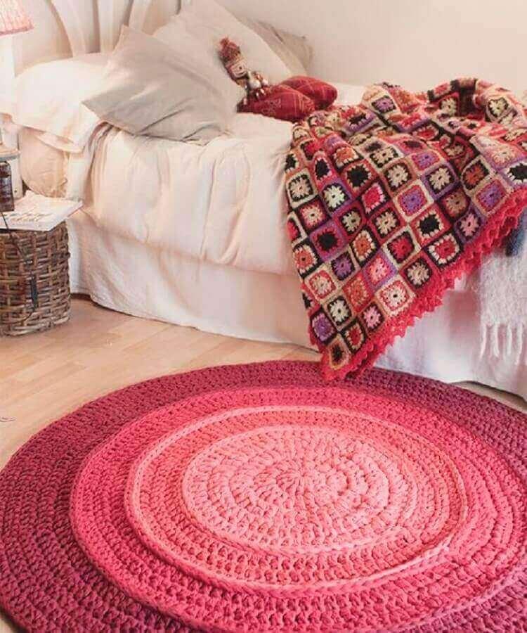 decoração com tapete de crochê para quarto feminino Foto Ateliê Milla Artes
