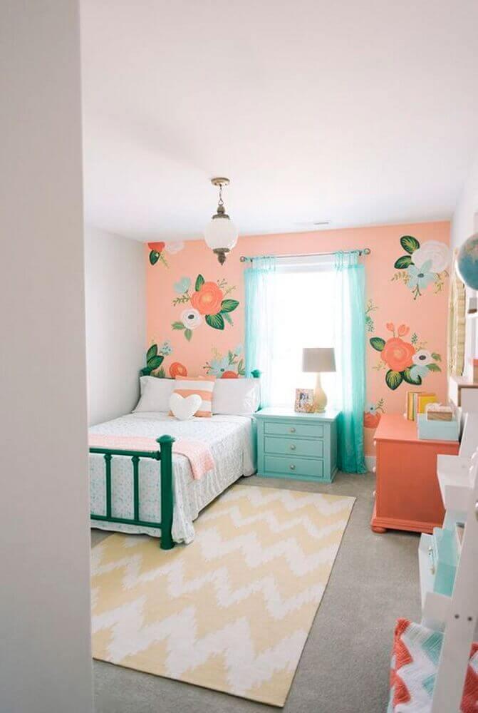 decoração em tons pastéis com tapete para quarto de menina Foto Sodimac