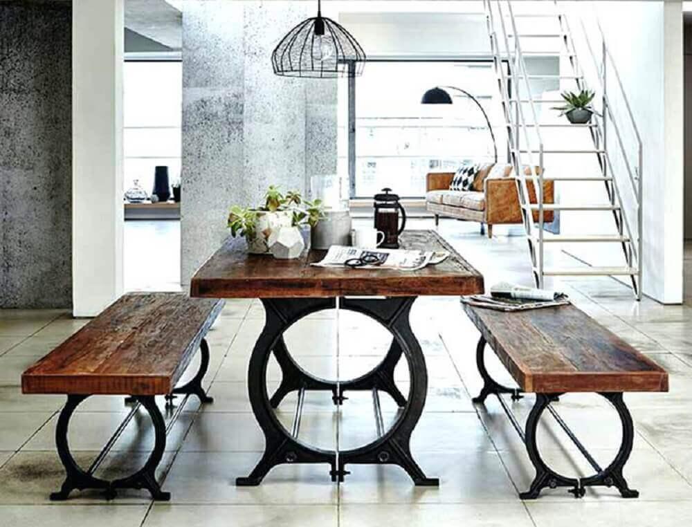 decoração moderna para sala de jantar com móveis de demolição