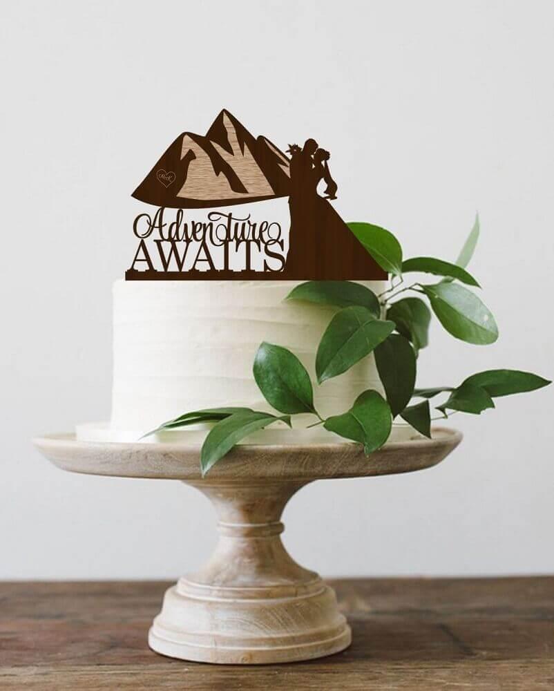 decoração simples com folhagens para bolo de casamento simples Foto Weddbook
