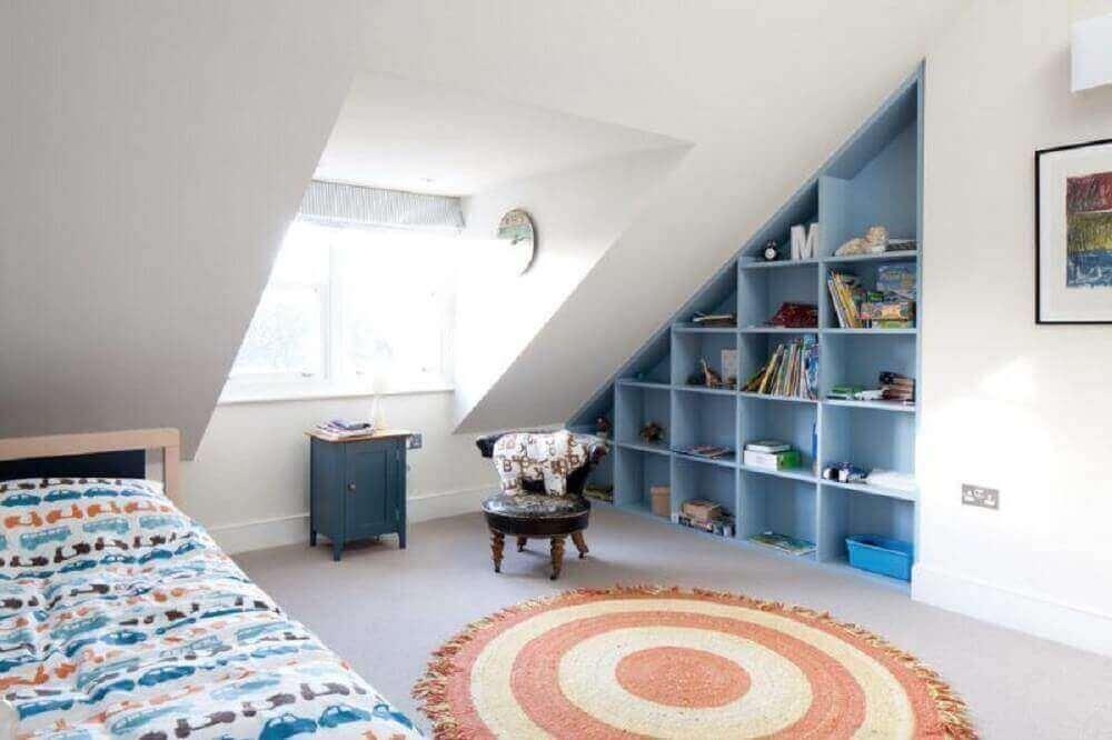 decoração simples com tapete para quarto e nichos embutidos Foto Quartet Architecture