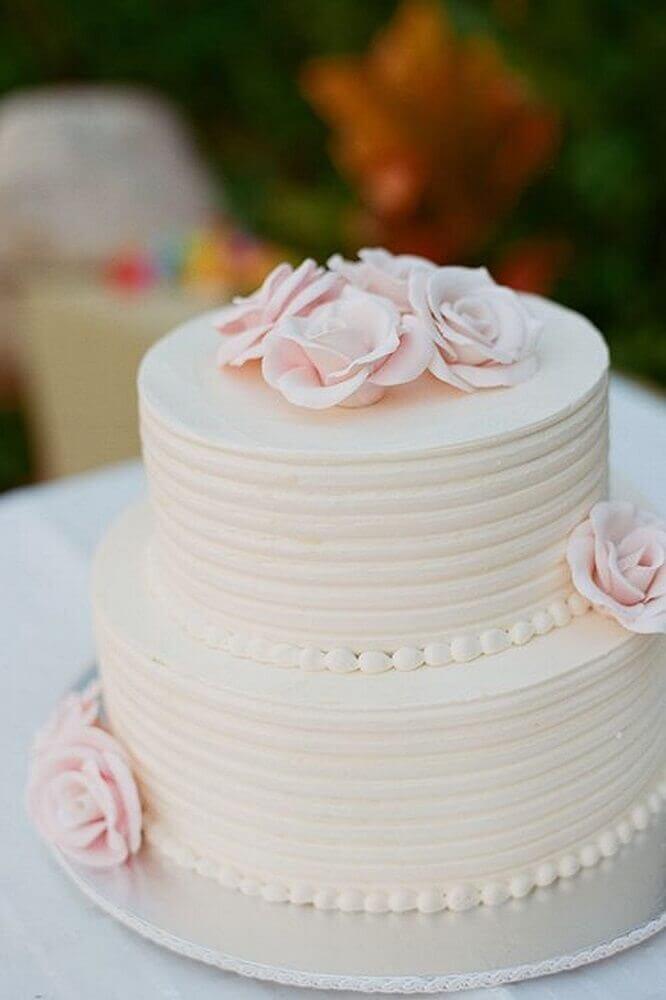 delicado bolo simples de casamento Foto Leeches