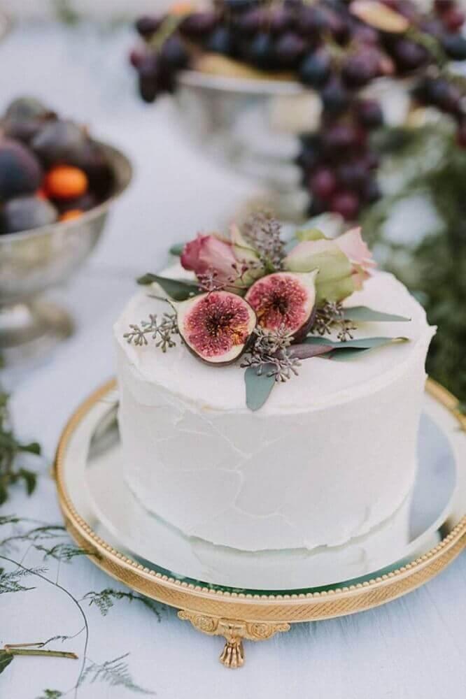 modelo de bolo de casamento simples decorado com figos Foto Beauty of Wedding
