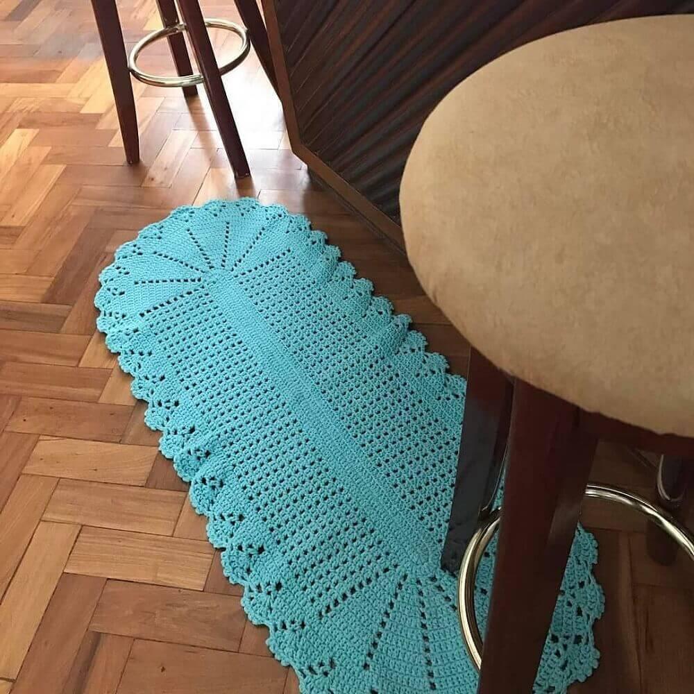 passadeira de crochê azul com bordas arredondadas Foto CrochêArt