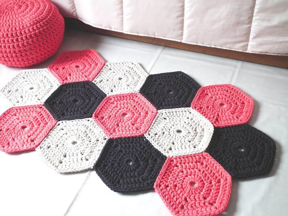 passadeira de crochê rosa preto e branca Foto Pinterest
