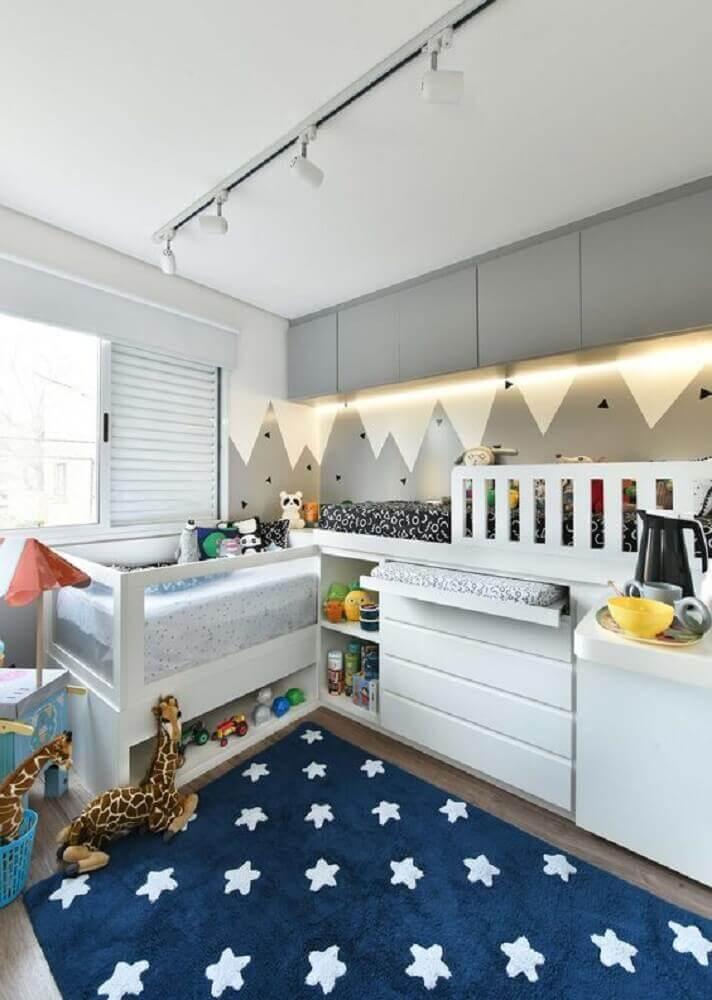 tapete para quarto de bebê com estampa de estrelas Foto Pinterest