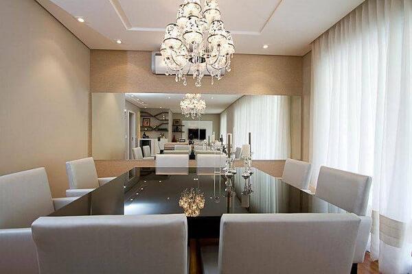 em um ambiente clean, os lustres para sala de jantar ganham destaque
