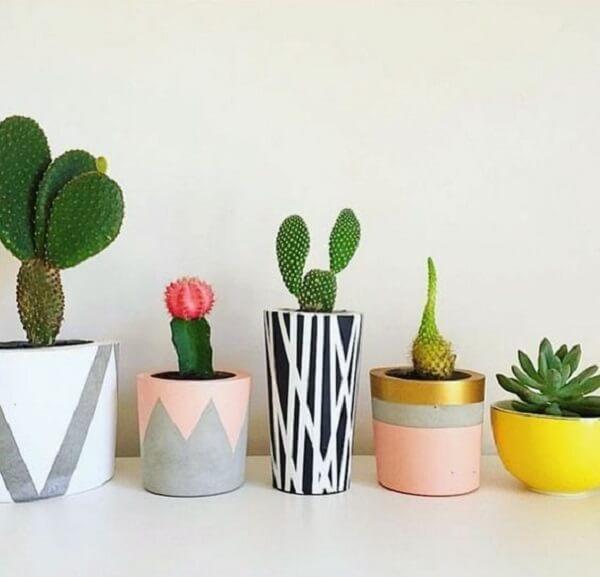 Aprenda como fazer vaso de cimento para alegrar a decoração do ambiente