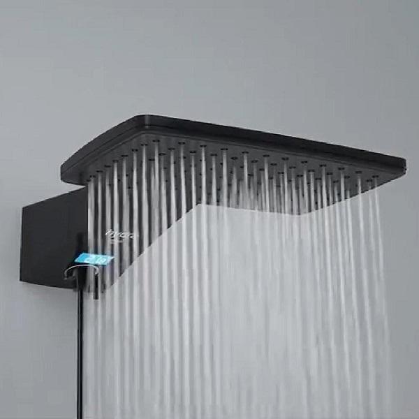 Chuveiros modernos ducha Hydra Polo Plus Digital Preta