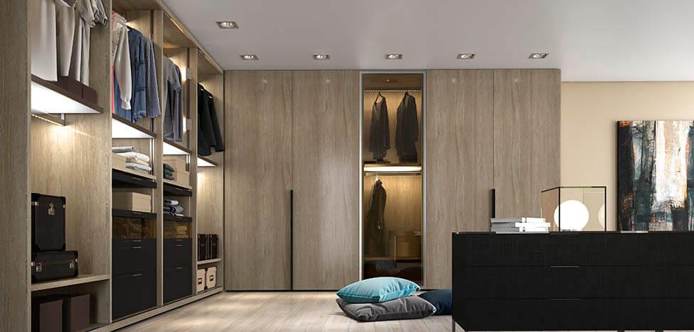 Closet com móveis de madeira armários abertos e fechados Foto de Duratex Madeira