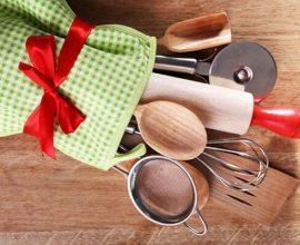Colheres e utensílios de cozinha para lista de chá de panela Foto de Central do Evento