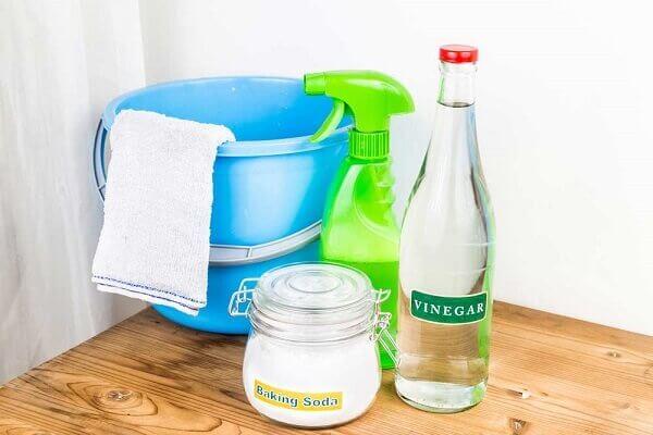 Como desentupir vaso com bicarbonato e vinagre
