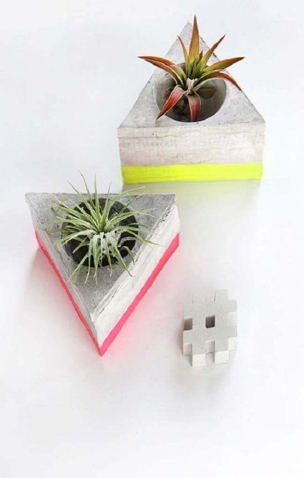 Como fazer vaso de cimento em formato de triângulo