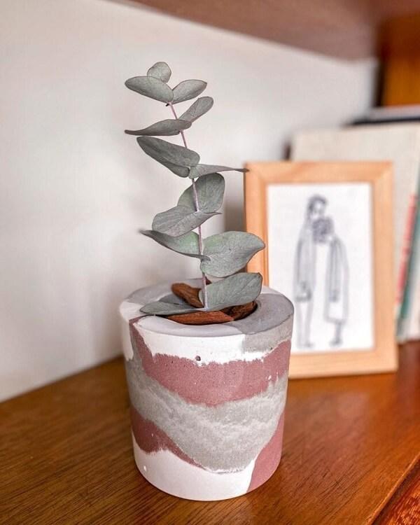 Como fazer vaso de cimento para decorar a sala de estar