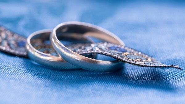 Como limpar aliança de prata