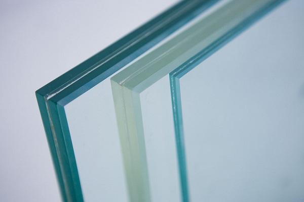 Como tirar risco de vidro