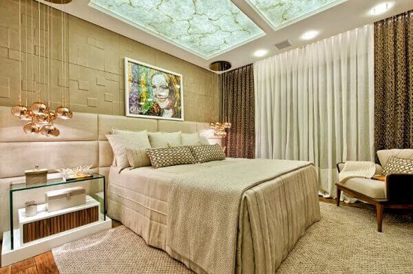 Cor palha decorando quarto de casal