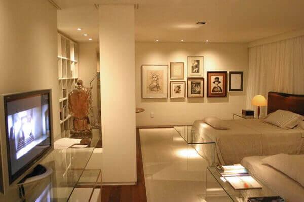 Cor palha na parede de casa