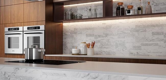 Cozinha com móveis de madeira armário e prateleiras Foto de Duratex Madeira