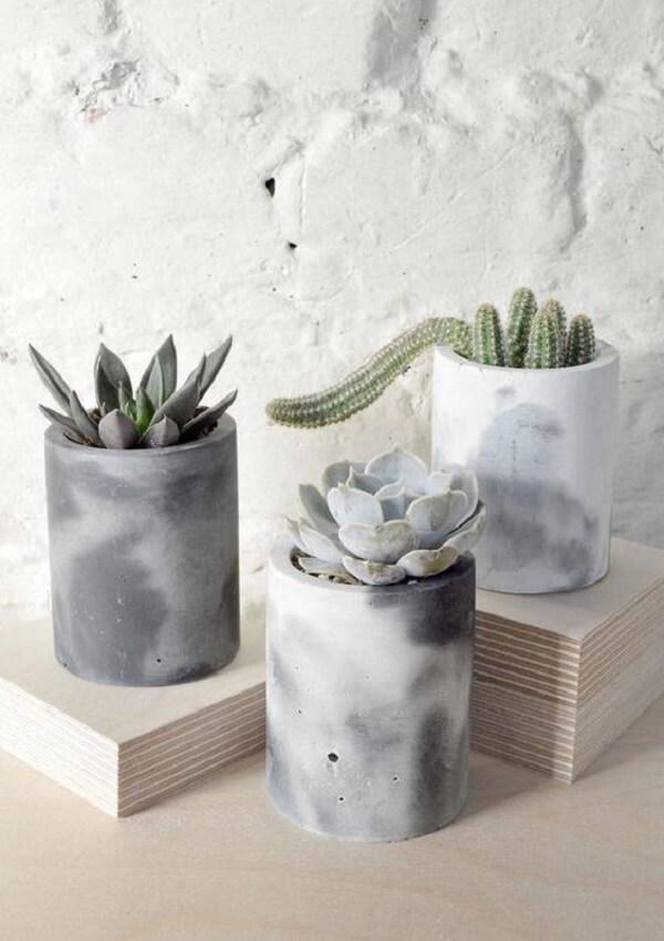 Decore o vaso de cimento de forma personalizada
