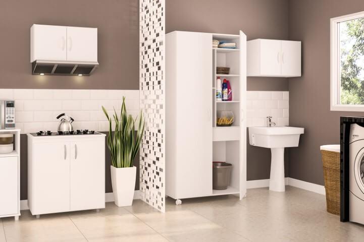 Lavanderia integrada à cozinha com divisória vazada Foto de Móveis Politorno