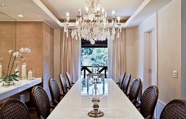 lustres para sala de jantar com estilo clássico