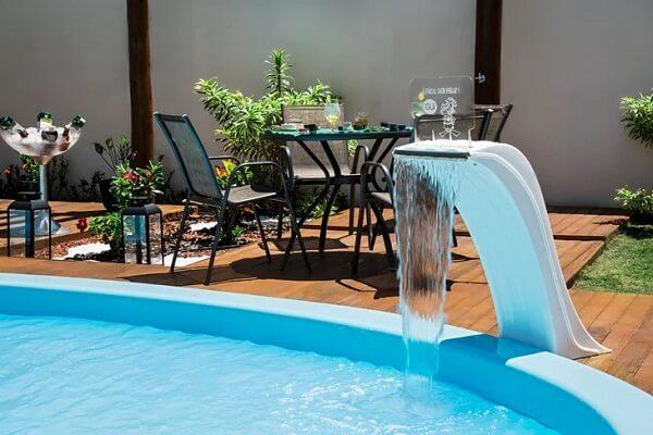 Modelo de cascata simples para piscina de vinil