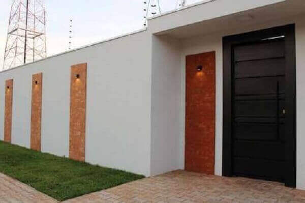 Muros modernos com detalhes em tijolinhos