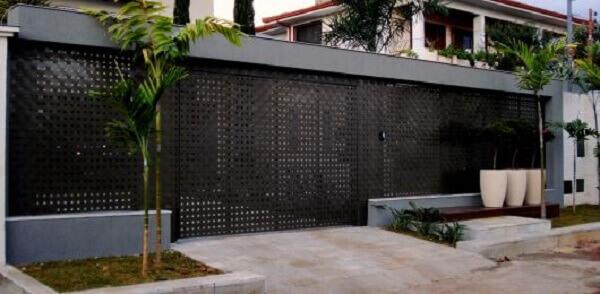 Muros modernos com grades vazadas