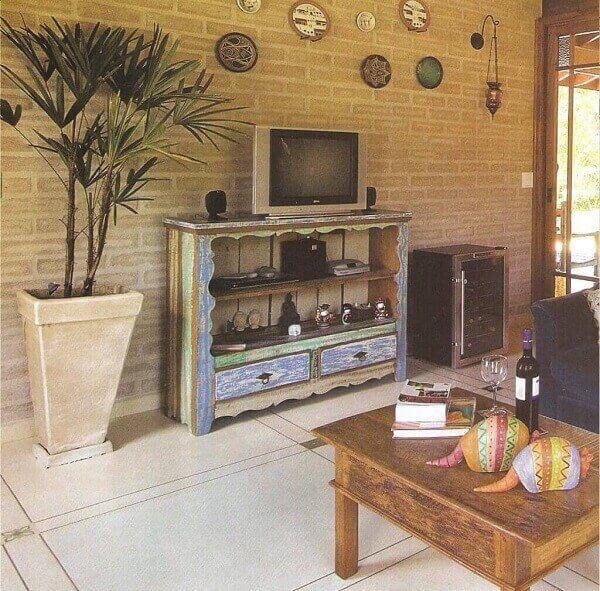 Pátina em móveis de madeira de demolição