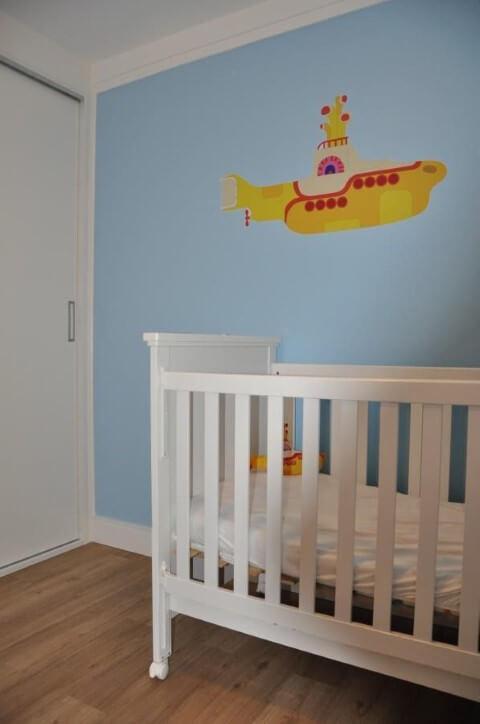 Quarto de bebê menino com temática musical Projeto de Serra Vaz Arquitetura