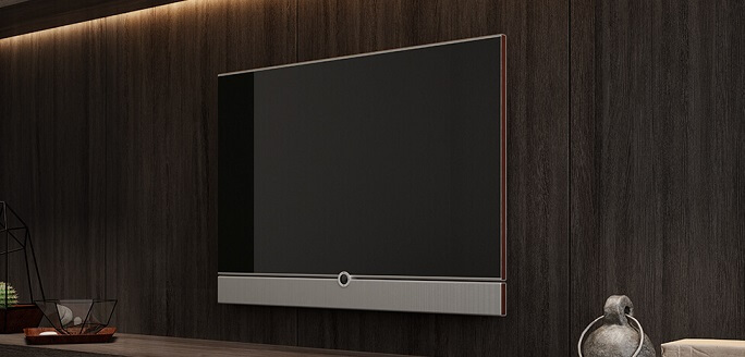 Sala de TV com móveis de madeira painel para TV Foto de Duratex Madeira